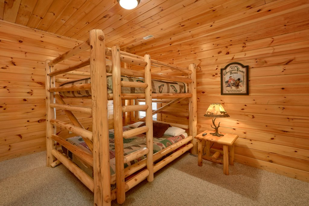 Photo of a Gatlinburg Cabin named A Smoky Hideaway - This is the twenty-fifth photo in the set.
