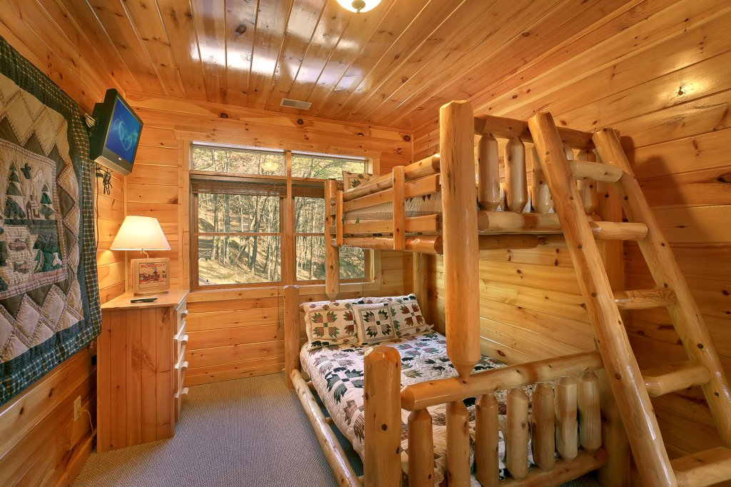 Photo of a Gatlinburg Cabin named Mountain Bliss - This is the eighteenth photo in the set.