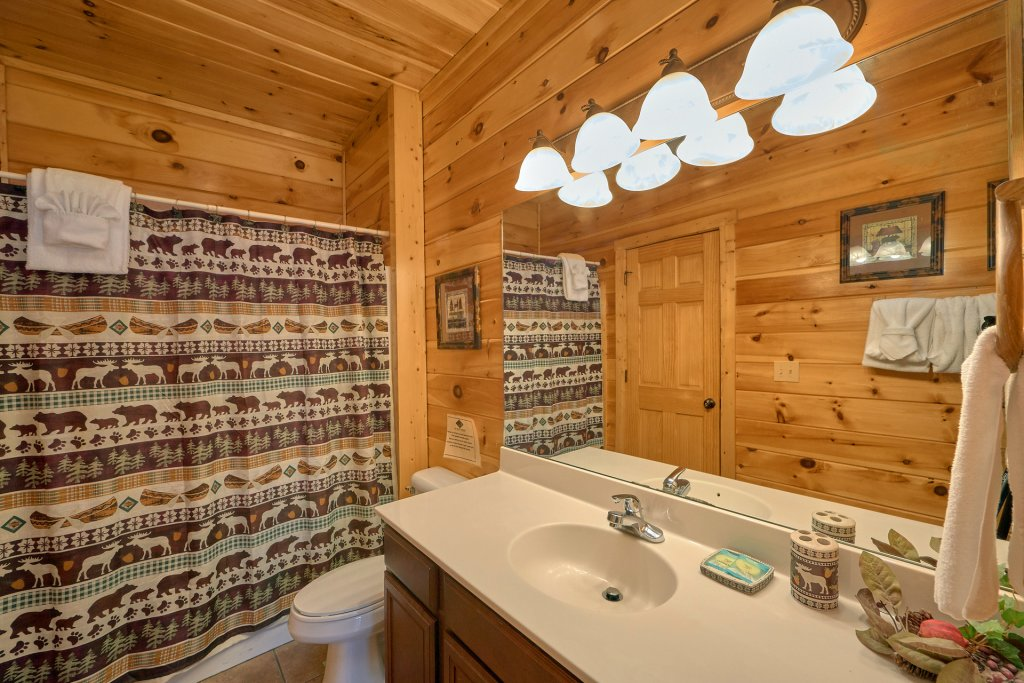Photo of a Gatlinburg Cabin named A Smoky Hideaway - This is the fifteenth photo in the set.