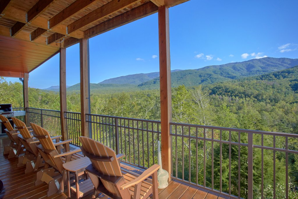 Photo of a Gatlinburg Cabin named Forever Young - This is the thirty-third photo in the set.
