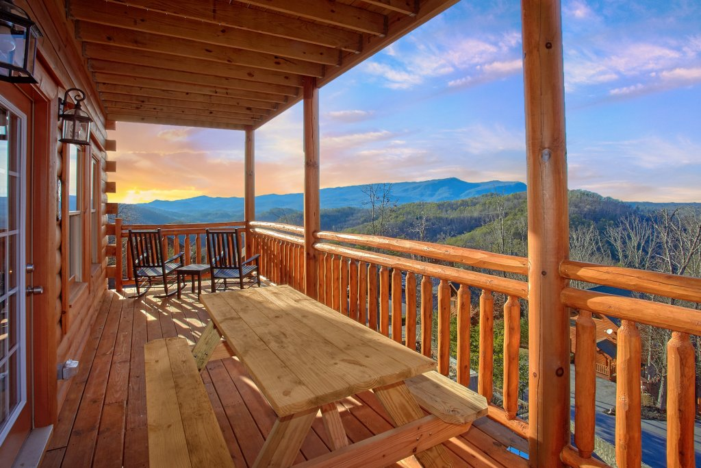 Photo of a Pigeon Forge Cabin named Top Of The World Pool Lodge - This is the first photo in the set.