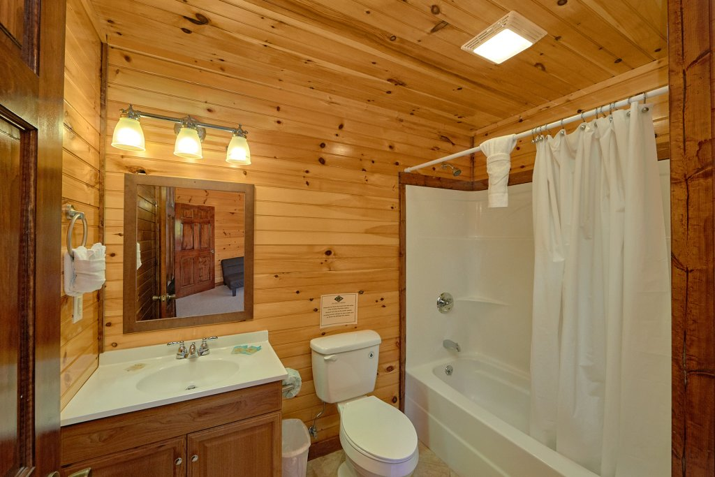 Photo of a Gatlinburg Cabin named Uwoduhi Pool Lodge - This is the twenty-first photo in the set.