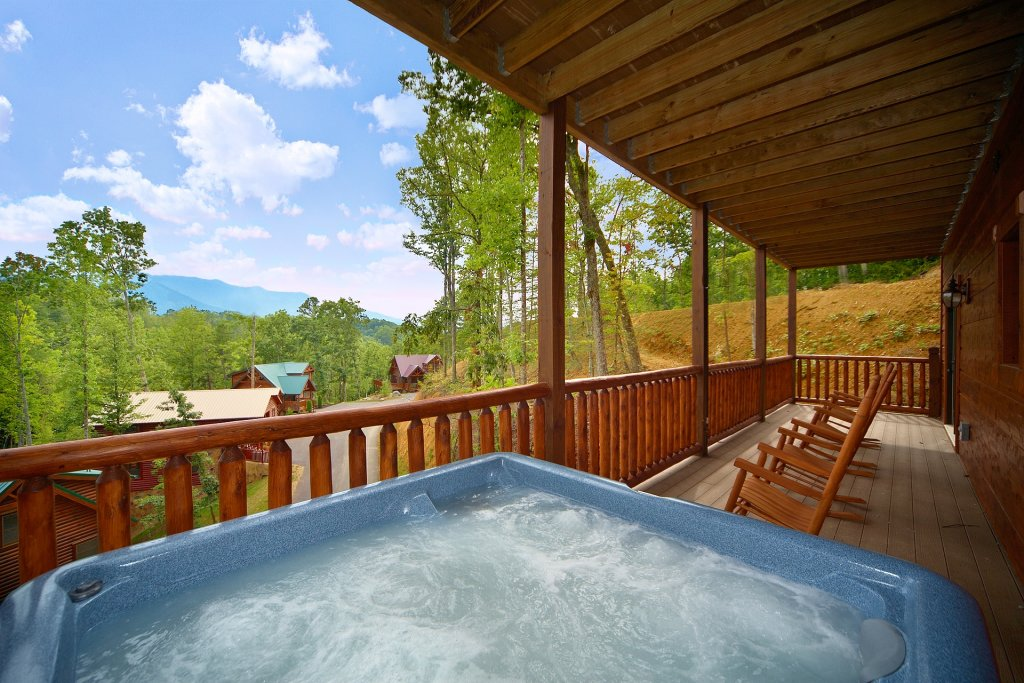 Photo of a Gatlinburg Cabin named Almost Heaven - This is the third photo in the set.