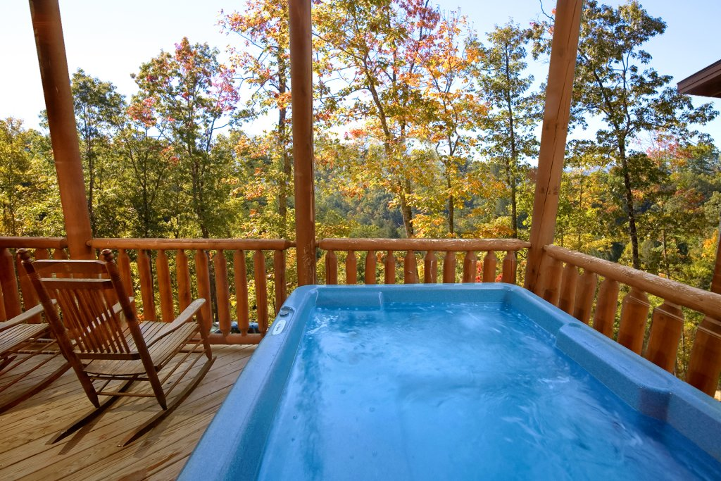 Photo of a Sevierville Cabin named Swimming In Paradise - This is the third photo in the set.