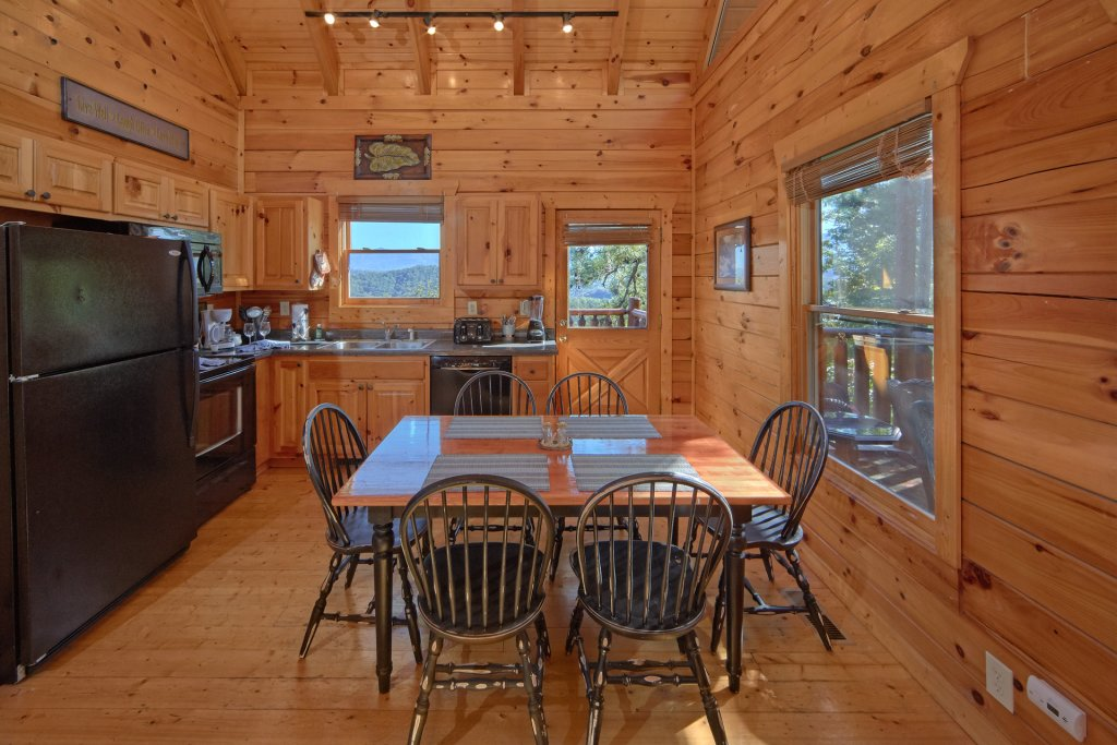 Photo of a Pigeon Forge Cabin named King's View - This is the seventeenth photo in the set.