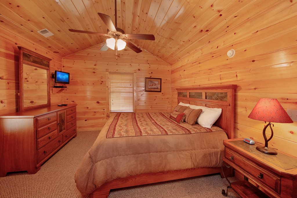 Photo of a Gatlinburg Cabin named Finders Keepers - This is the twelfth photo in the set.