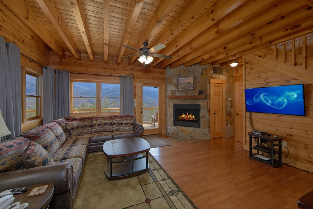 Photo of a Gatlinburg Cabin named Grand View - This is the fifteenth photo in the set.