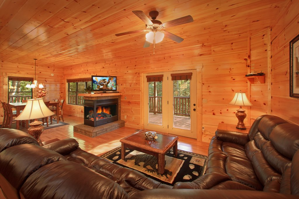 Photo of a Gatlinburg Cabin named Bear Cub Lodge - This is the ninth photo in the set.