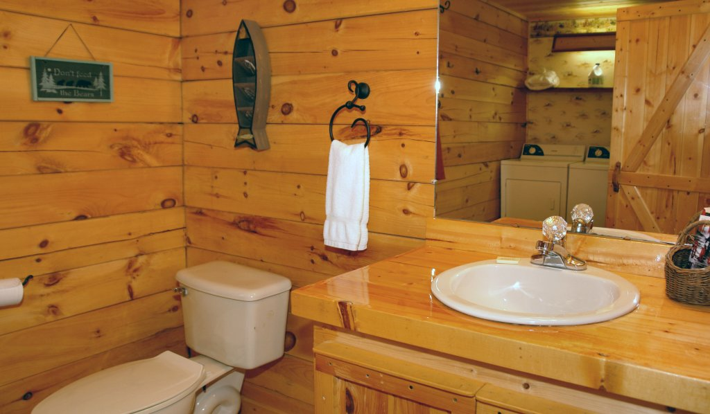 Photo of a Pigeon Forge Cabin named Romantic Hideaway #126 - This is the fourteenth photo in the set.