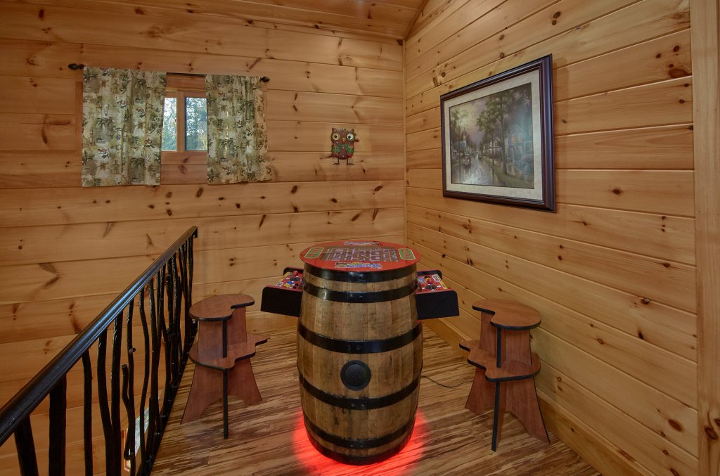 Photo of a Gatlinburg Cabin named Forever Young - This is the forty-second photo in the set.