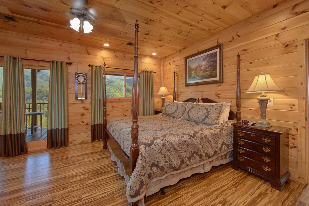 Photo of a Gatlinburg Cabin named Forever Young - This is the fifty-second photo in the set.