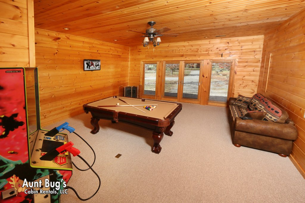 Photo of a Gatlinburg Cabin named Heavenly Creekside #276 - This is the twenty-second photo in the set.