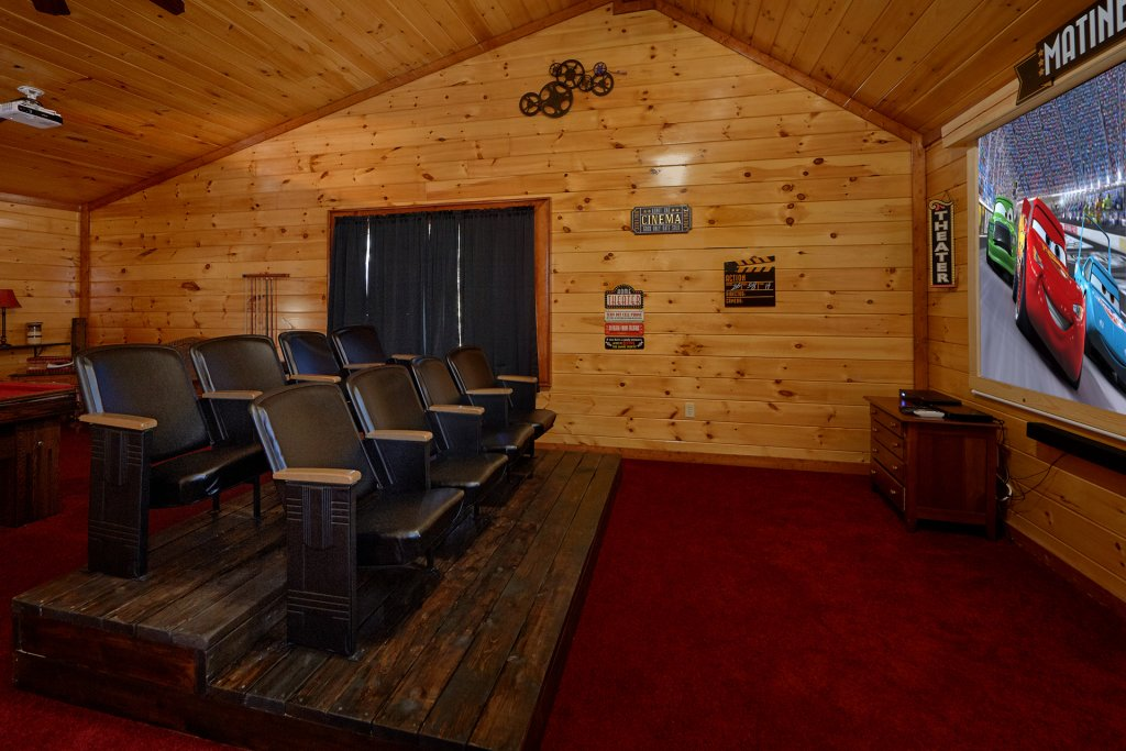 Photo of a Gatlinburg Cabin named Sweet Tranquility Pool Lodge - This is the fifth photo in the set.