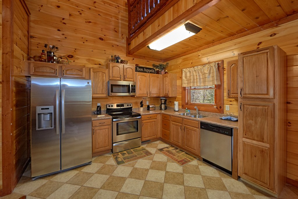 Photo of a Gatlinburg Cabin named Sweet Tranquility Pool Lodge - This is the fourteenth photo in the set.