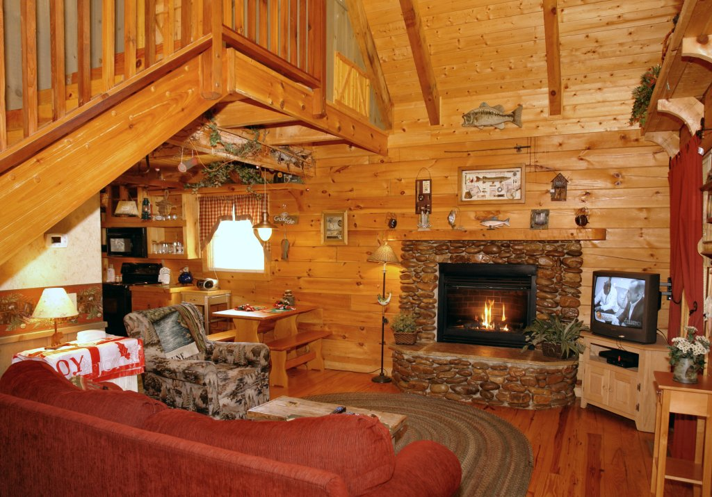 Photo of a Pigeon Forge Cabin named Romantic Hideaway #126 - This is the sixteenth photo in the set.