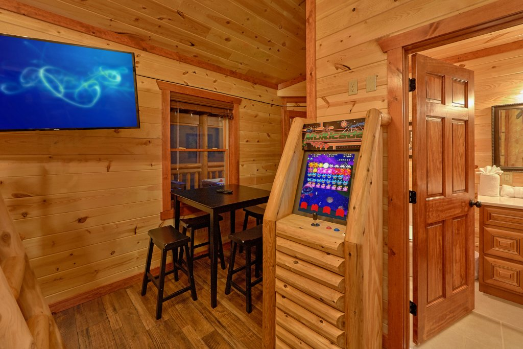 Photo of a Pigeon Forge Cabin named Splash Mountain Lodge - This is the eighth photo in the set.