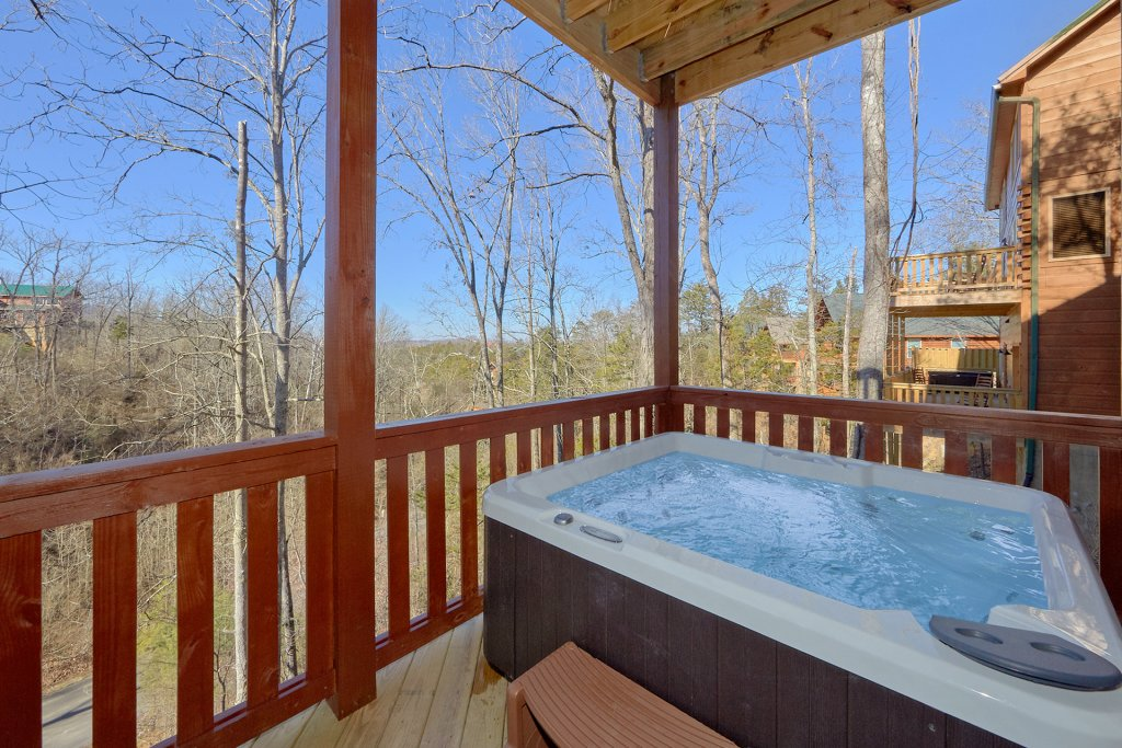 Photo of a Pigeon Forge Cabin named Alpine Pool Lodge - This is the second photo in the set.