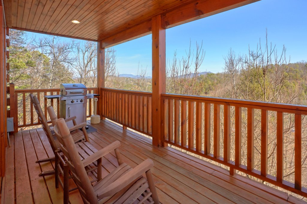 Photo of a Gatlinburg Cabin named Smoky Mountain Serenity - This is the eighth photo in the set.