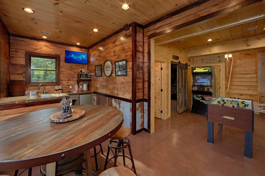 Photo of a Gatlinburg Cabin named Big Sky Lodge - This is the forty-second photo in the set.