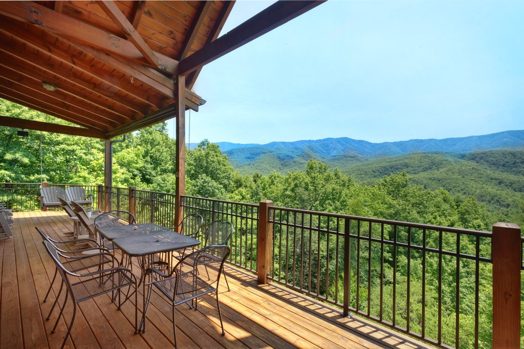 Photo of a Gatlinburg Cabin named Wine Down - This is the fourth photo in the set.