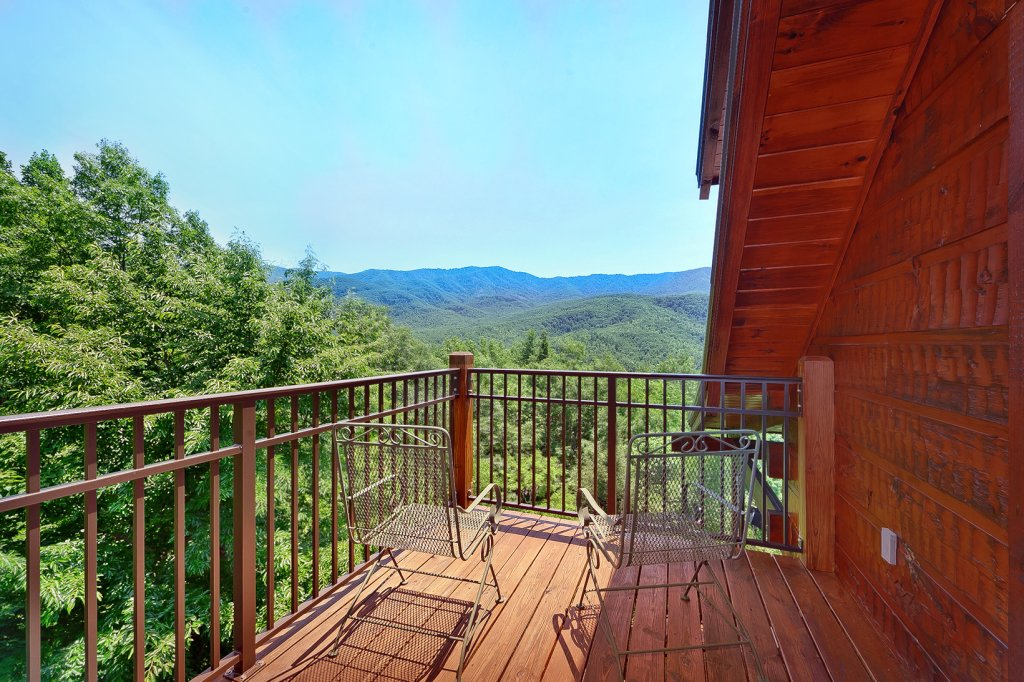 Photo of a Gatlinburg Cabin named Wine Down - This is the seventh photo in the set.