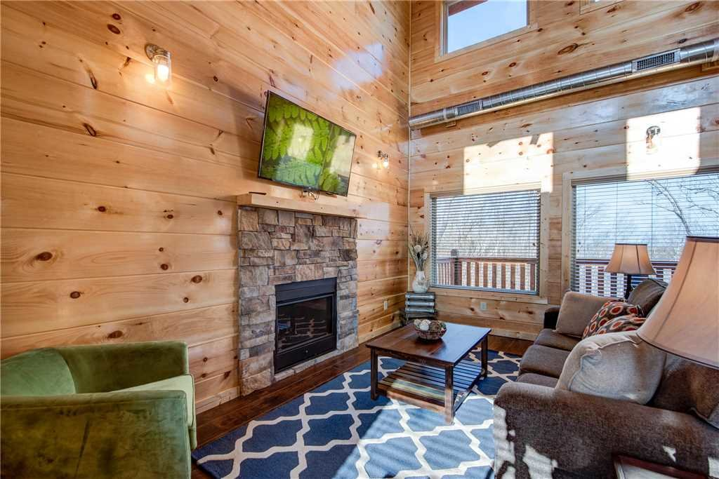 Photo of a Pigeon Forge Cabin named Majestic Waters - This is the fourth photo in the set.
