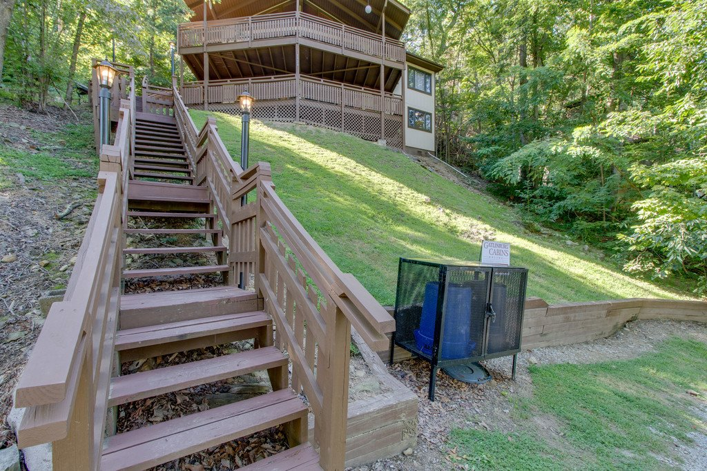 Photo of a Gatlinburg Cabin named Stairway To Heaven - This is the thirty-second photo in the set.