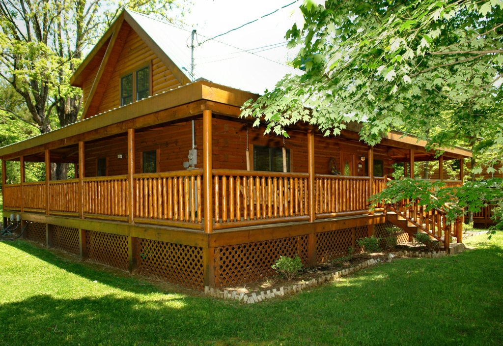 Photo of a Pigeon Forge Cabin named Trout House #350 - This is the first photo in the set.