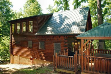 Secluded Smoky Mountain Log Cabin Rental Between Pigeon Forge and Gatlinburg
