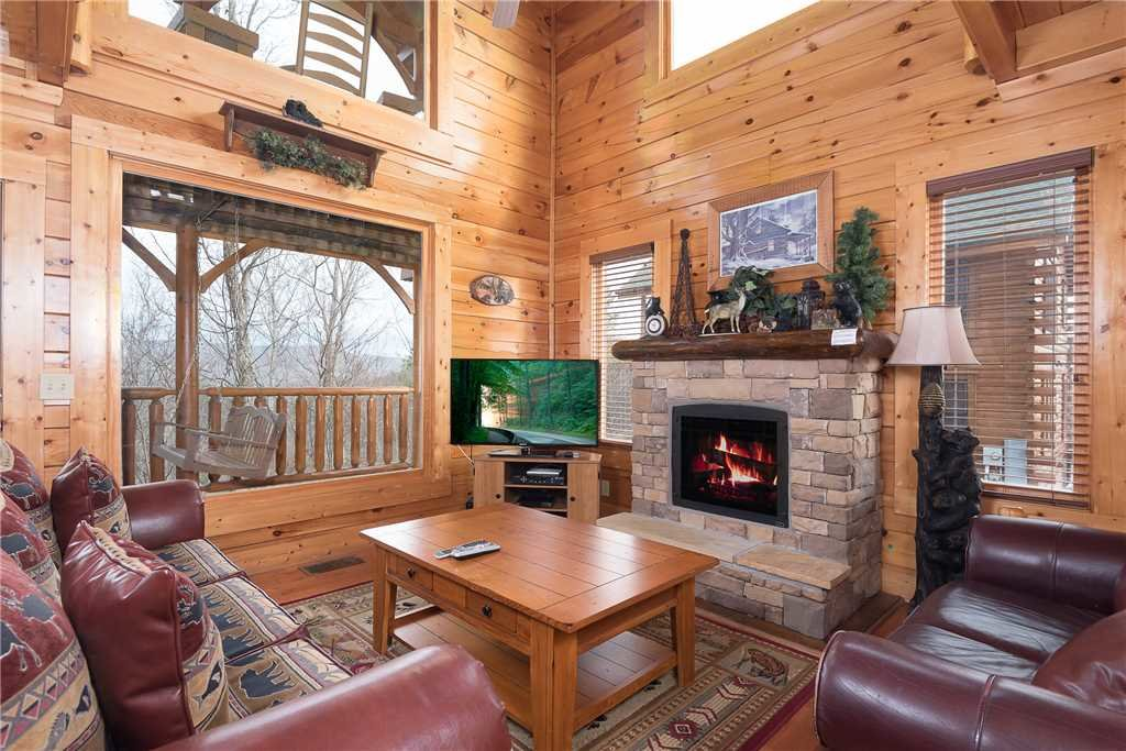 Photo of a Pigeon Forge Cabin named Nature's Paradise - This is the second photo in the set.