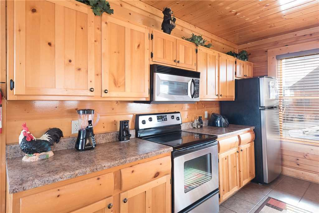 Photo of a Sevierville Cabin named Nature's Paradise - This is the fifth photo in the set.