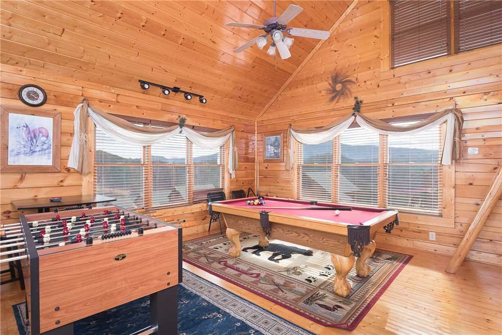 Photo of a Sevierville Cabin named Nature's Paradise - This is the eighth photo in the set.