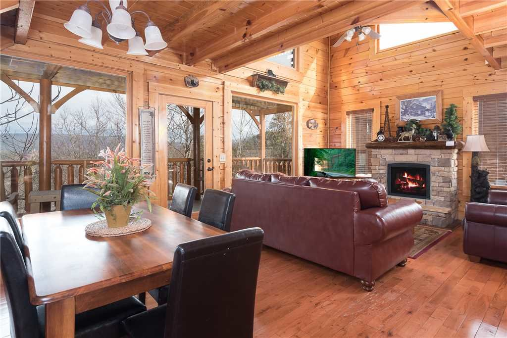 Photo of a Sevierville Cabin named Nature's Paradise - This is the third photo in the set.