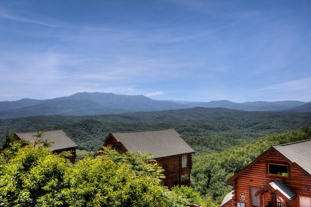 Photo of a Pigeon Forge Cabin named Lasting Impressions #240 - This is the forty-sixth photo in the set.