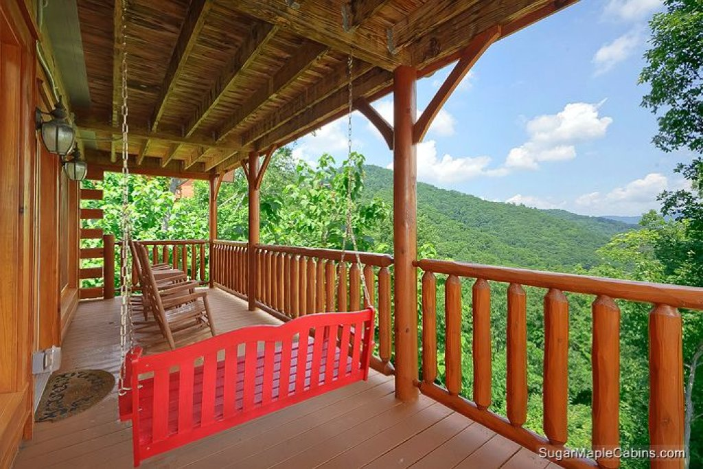 Photo of a Sevierville Cabin named Nature's Paradise - This is the eighteenth photo in the set.