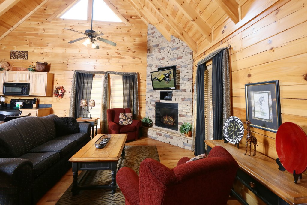 Photo of a Pigeon Forge Cabin named Wild Adventures - This is the eighth photo in the set.