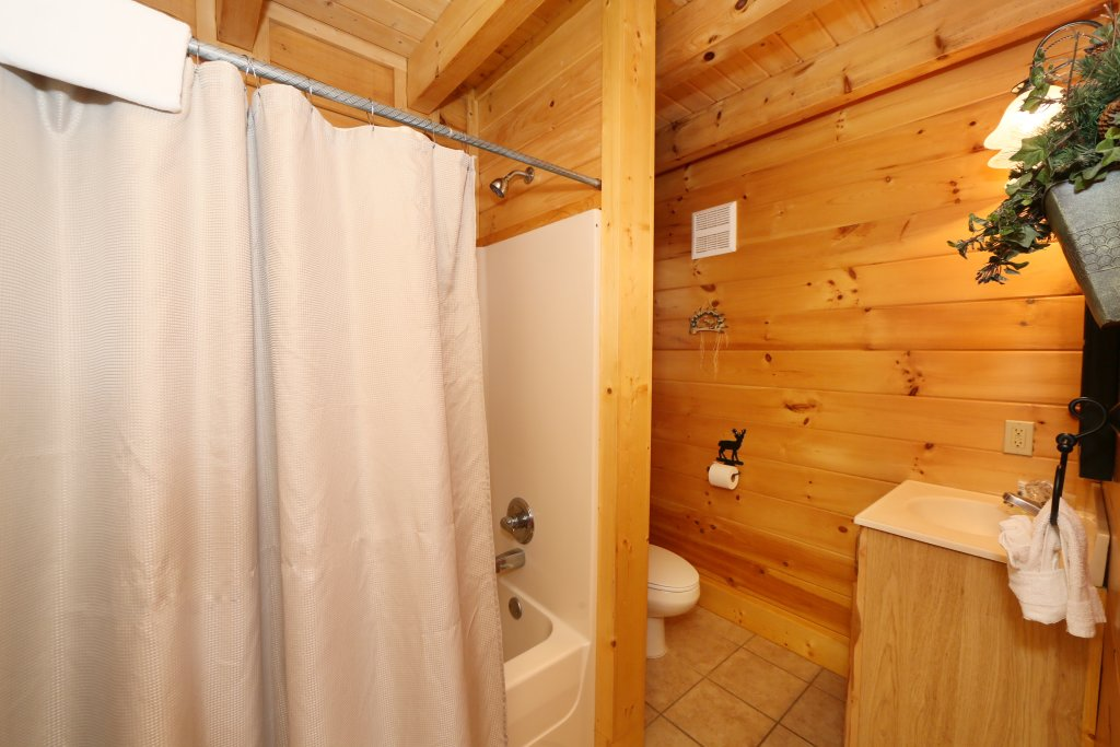 Photo of a Pigeon Forge Cabin named A Little Slice Of Heaven - This is the fifteenth photo in the set.