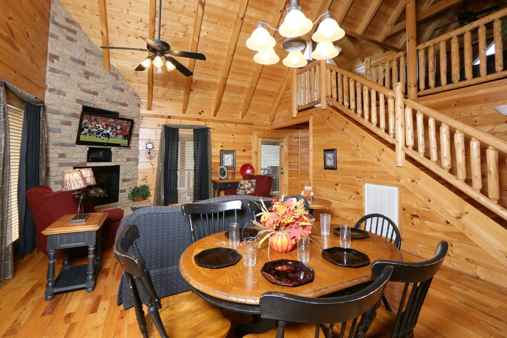 Photo of a Pigeon Forge Cabin named Wild Adventures - This is the twenty-fourth photo in the set.