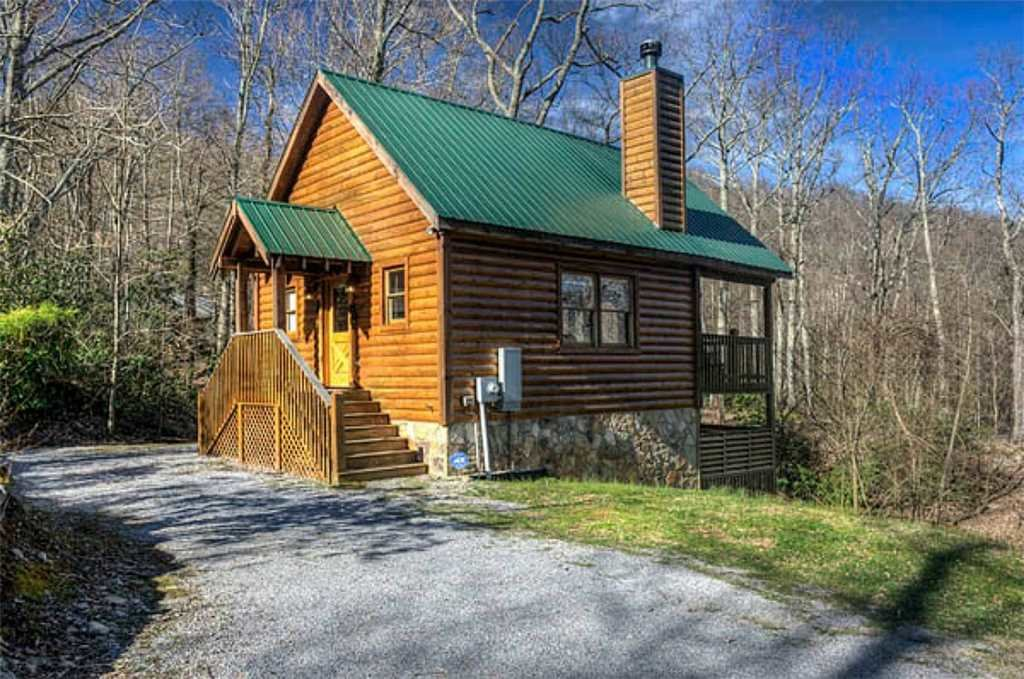 Photo of a Pigeon Forge Cabin named Whispering Waters - This is the first photo in the set.
