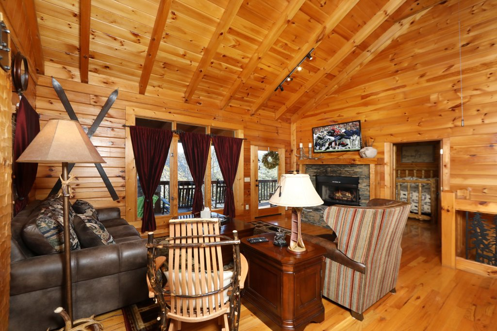 Photo of a Pigeon Forge Cabin named A Heavenly View - This is the thirteenth photo in the set.