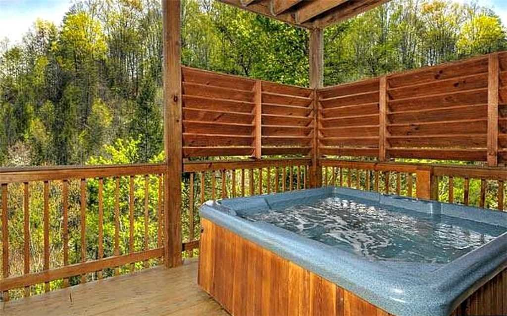 Photo of a Pigeon Forge Cabin named Whispering Waters - This is the fourteenth photo in the set.