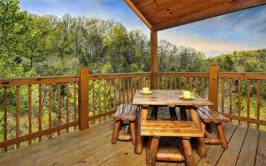 Photo of a Pigeon Forge Cabin named Whispering Waters - This is the thirteenth photo in the set.