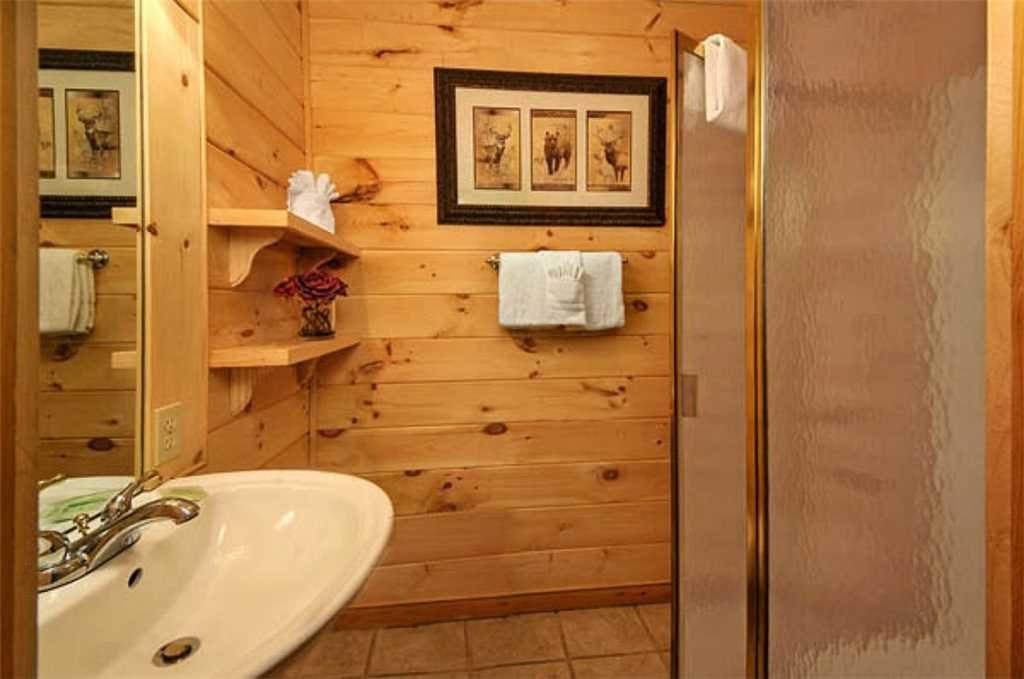 Photo of a Pigeon Forge Cabin named Whispering Waters - This is the tenth photo in the set.