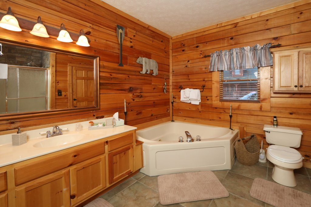 Photo of a Pigeon Forge Cabin named A Heavenly View - This is the nineteenth photo in the set.