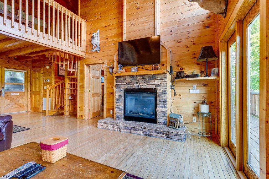 Photo of a Pigeon Forge Cabin named Moonlight Retreat - This is the seventh photo in the set.