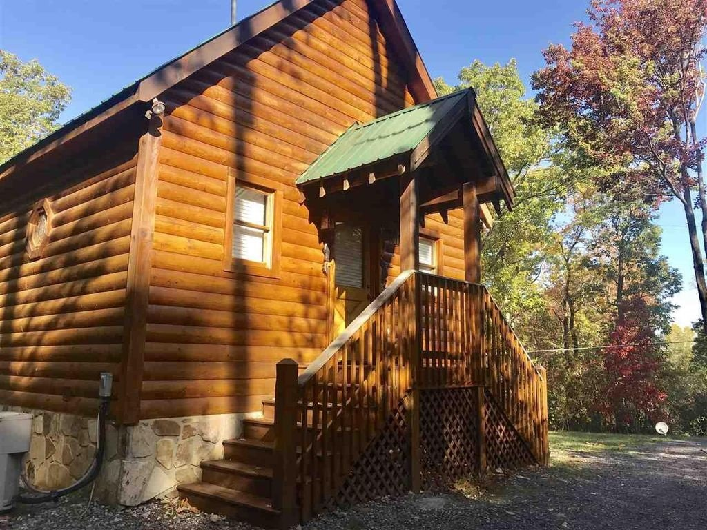 Photo of a Pigeon Forge Cabin named Whispering Waters - This is the sixteenth photo in the set.