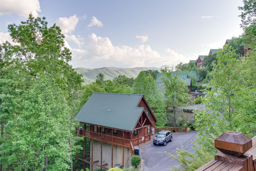 Photo of a Pigeon Forge Cabin named Moonlight Retreat - This is the thirty-ninth photo in the set.