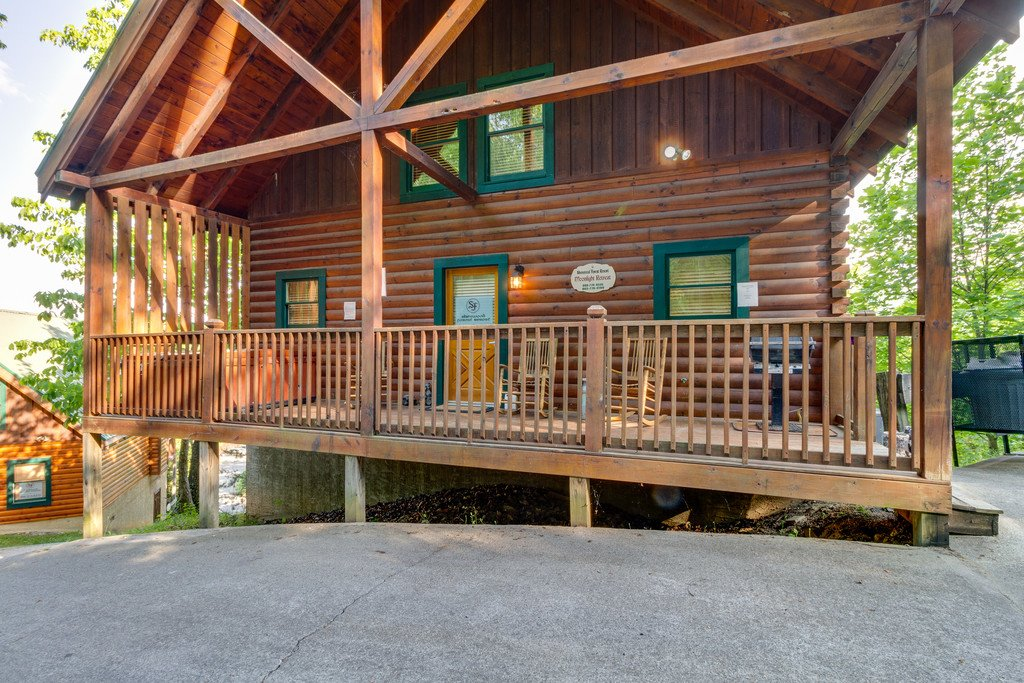 Photo of a Pigeon Forge Cabin named Moonlight Retreat - This is the forty-first photo in the set.