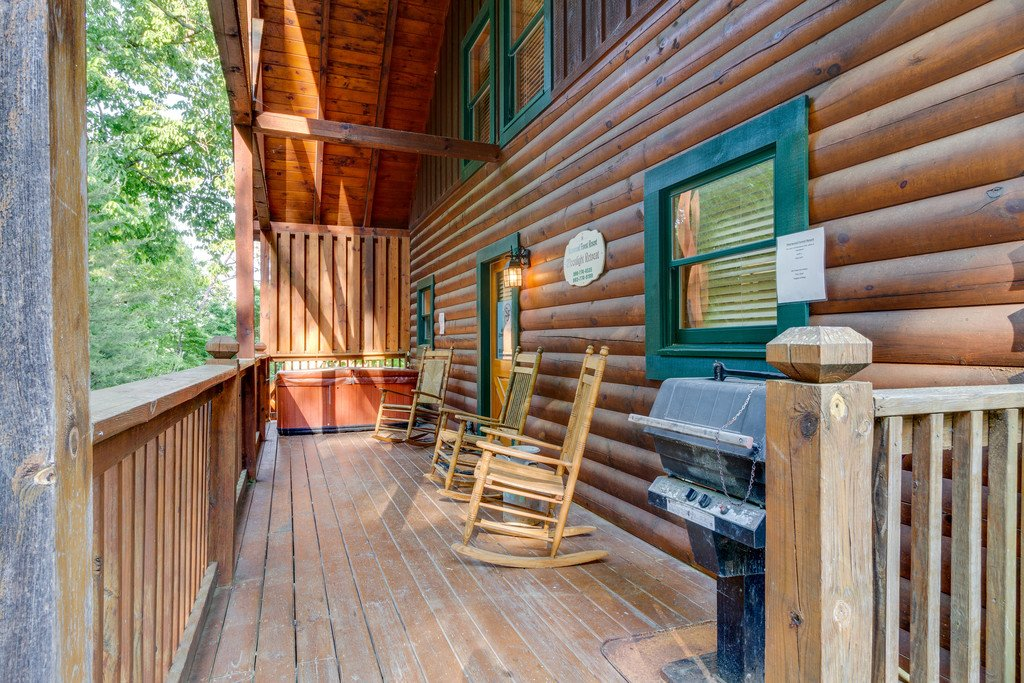 Photo of a Pigeon Forge Cabin named Moonlight Retreat - This is the twenty-sixth photo in the set.