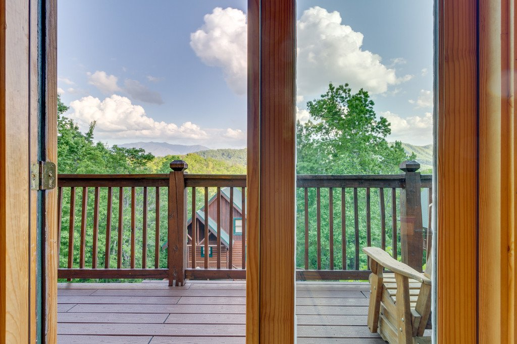 Photo of a Pigeon Forge Cabin named Moonlight Retreat - This is the thirty-first photo in the set.